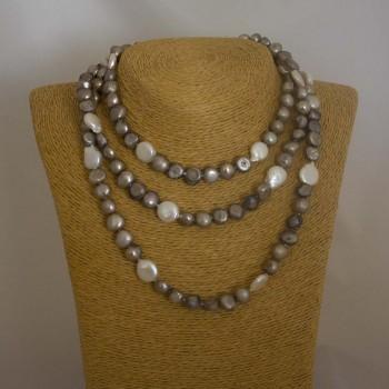 Halskette Süßwasserperlen, Endloskette, weiß, kaffeebraun, 118 cm
