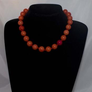 Halskette, Tridacna-Perlenkette, korallenrot, 45,5 cm