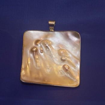 Anhänger Perlmutt mit eingewachsenen Perlen, Blisterperlen