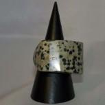 Ring Dalmatiner-Jaspis, Steinring, rechteckig, Größe 61